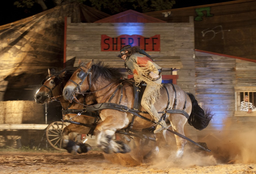Http Www Spectacles Cascades Equestres Com Nos Prestations Western